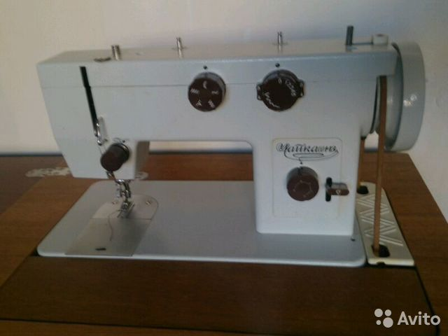 Швейная машина чайка 143