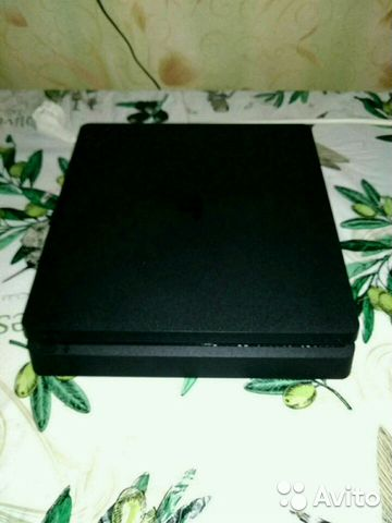 Sony PS4 slim