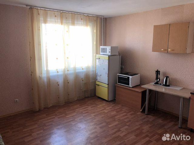 Продается двухкомнатная квартира за 3 500 000 рублей. Красноярск, Северная улица, 10.