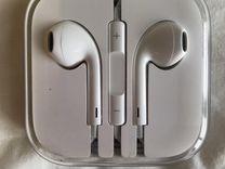Гарнитура Apple EarPods с коннектором