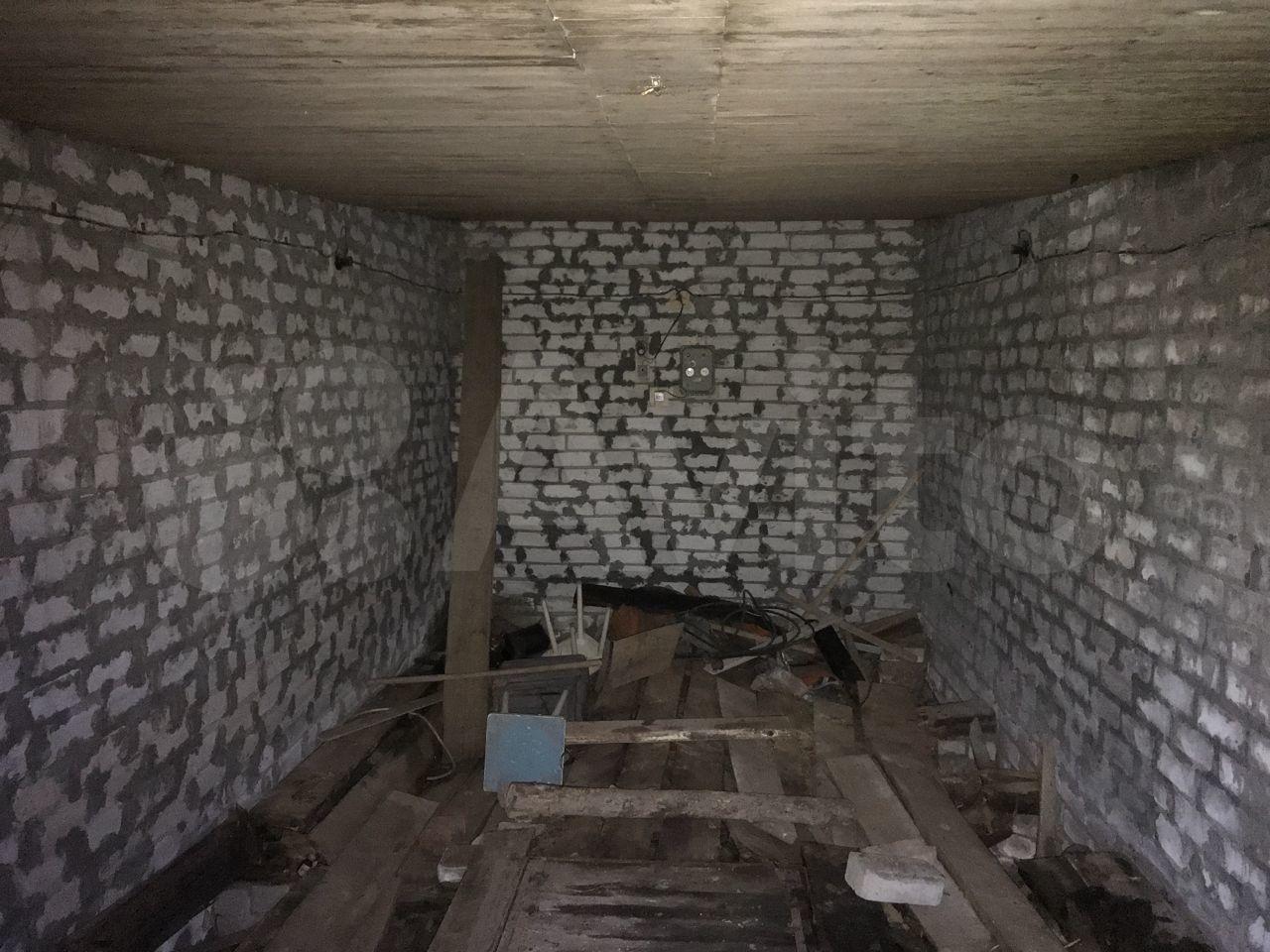 30 m2 in Kirov> Garage, > 30 m2  89253582004 buy 10
