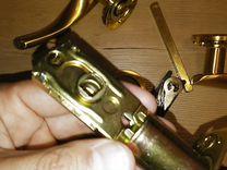 Дверные ручки с защелкой